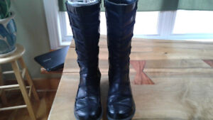 Size 10 Women's knee high black boots
