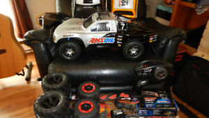 """TRAXXAS SLASH VXL 4wd """"6808"""", Like New with lot's of Extra's!"""