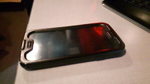 Samsung S4 (MINT SHAPE) includes Life Proof water proof case