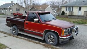 1989 GMC Sierra 1500 Red and burgundy SUV, Crossover