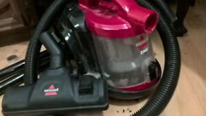 Bagless Bissell Vacuum