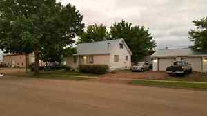 5 bed 2 bath house for sale in Provost Ab. $180 O.B.O.