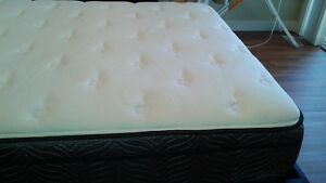 Almost new pillowtop double bed