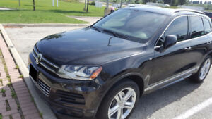 2014 Volkswagen Touareg Execline TDI (diesel)R-Line Fully Loaded