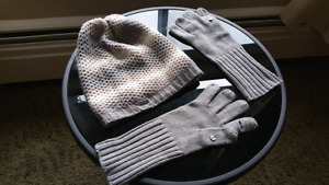 Awesome Calvin Klein gloves and cap.