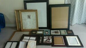 17 assorted picture frames buyer take all