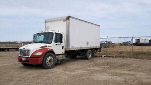 2004 Freightliner M2106 Box Truck