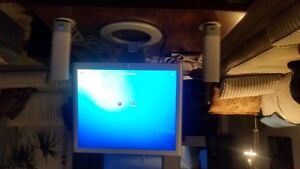 HP LCD Monitor and speakers
