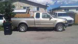 1999 Ford Pickup Truck in excellent shape