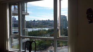 $3595 / 3br - 1250ft-  2br+Den - Waterfront Suite in Yaletown