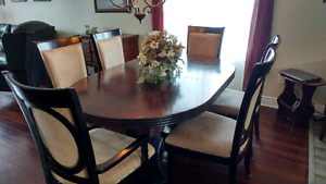 Sold ppu Dining room set 7 piece table and chairs