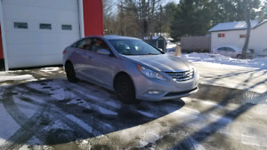 2011 Hyundai Sonata *WINTER TIRES*