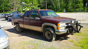 1997 Chevrolet 4x4 ext cab diesel with plow 3/4 ton