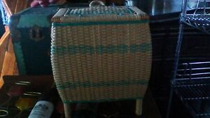 BEAUTIFUL WOVEN SEWING BASKET WITH LIFT OUT TOP UNIT