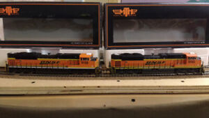 HO MTH SD70 ACe BNSF diesel train and Magnuson building kits