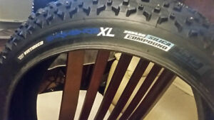 Pneu Fatbike Fat Bike Veetireco SNOWSHOE XL Clouté 26x4.80