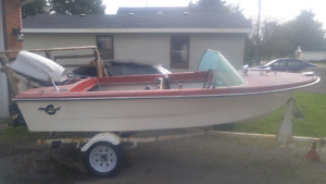 16 ft fibreglas boat with 40hp evinrude and trailer