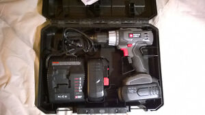 Porter Cable 18V drill, LED - comes with case and 2 batteries.