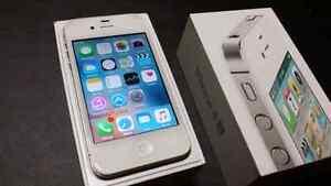 WHITE IPHONE 4S  16 ( TELUS & KOODO )