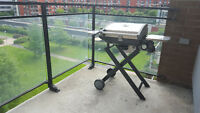 STAINLESS PORTABLE BBQ GRILL + 2 new gas tanks