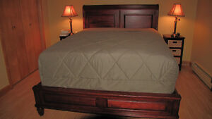 DURHAM SOLID MAPLE QUEEN SLEIGH EURO BED Cornwall Ontario image 1