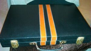 Backgammon set in leather,locking briefcase carrier - large size Kitchener / Waterloo Kitchener Area image 5