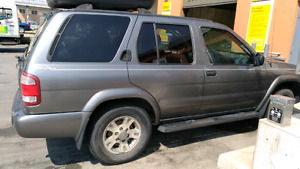 REDUCED FOR QUICK SELL!!2004 Nissan Pathfinder Chinook
