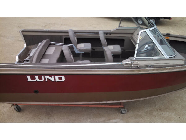 Used 2000 Lund Boat Co 2000 Outfitter SE