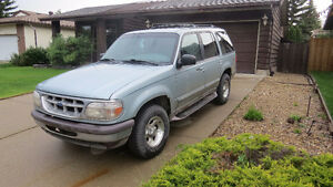 1996 Ford Explorer XLT SUV, Crossover