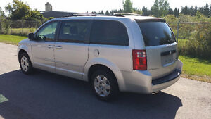 2008 Dodge Grand Caravan STOW N GO, NO ACCIDENTS, SAFETY, E-TEST London Ontario image 6