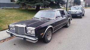 Chrysler 5th Avenue V8 318