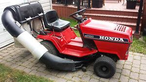 Tracteur Honda HT 3810 avec kit 2 sacs pour feuilles et gazon