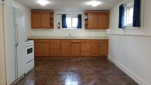 THIS RENOVATED COZY 3 BEDROOM SPACIOUS HOME  $1800 Burnaby