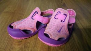 Toddler girl nike sandals size 7