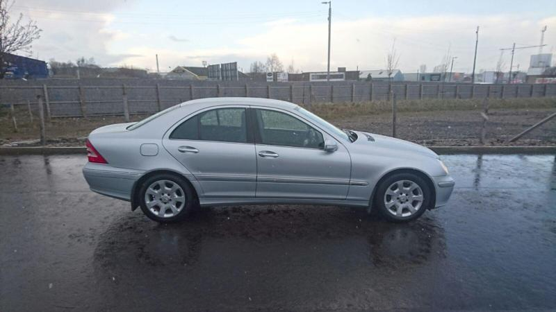 mercedes benz c class 2 1 c220 cdi auto elegance se 2005 55 reg 131 000 miles in east end. Black Bedroom Furniture Sets. Home Design Ideas