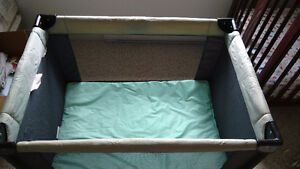 Playpen with fitted mattress