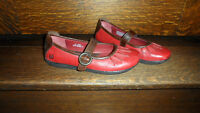 ***BORN*** RED/BROWN LEATHER SHOES- LADIES SIZE -6