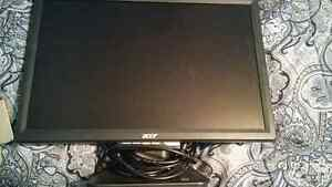 Acer 19' lcd monitor