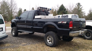 Barn find 1999 Ford F250 4x4 Lariat Super Duty V10