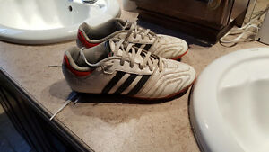 Chaussures de Soccer Adidas / Taille 5.5