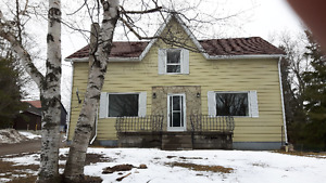 Country farm house only 15 minutes from Cobourg