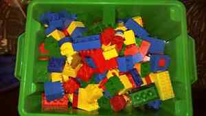 200 Mixed pieces container of duplo lego!