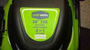 "Greenworks 20"" electric lawnmower Cornwall Ontario image 2"