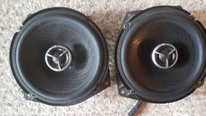 REDUCED! Car Kenwood stereo and alpine speakers