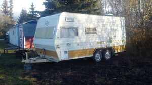 Selling 1979 20 FT Holiday Trailer