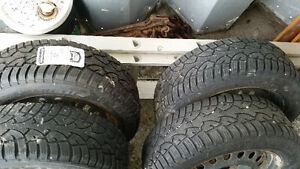 215/60 R17 Snow Tire Jeep Compass Kingston Kingston Area image 3
