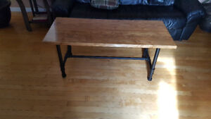 Coffee table / end table