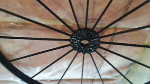 Antique Wagon Wheel Sarnia Sarnia Area image 3