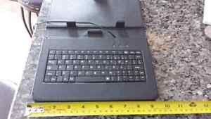 TABLET CASE WITH KEYBOARD Cambridge Kitchener Area image 3