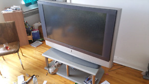 "47"" sony tv with stand"